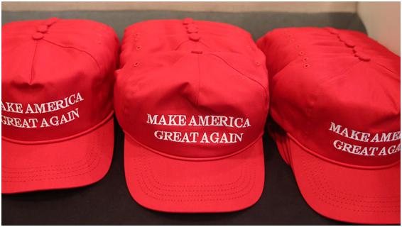 """因戴""""让美国再次伟大""""帽,男子在曼哈顿街头被围殴"""