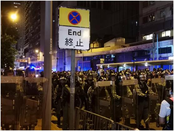 """問媽媽""""能不能搬到內地住""""的香港女生,發來這樣一封信"""