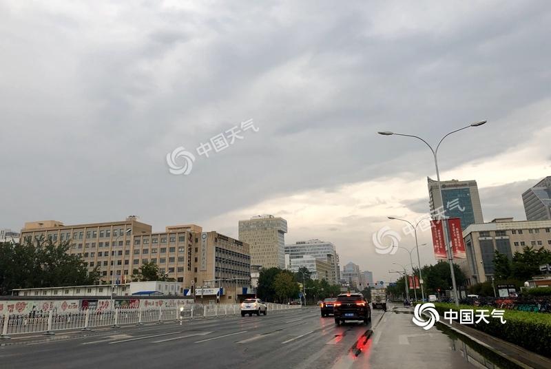 北京高掛暴雨雷電雙預警 雷雨天氣將持續至中午