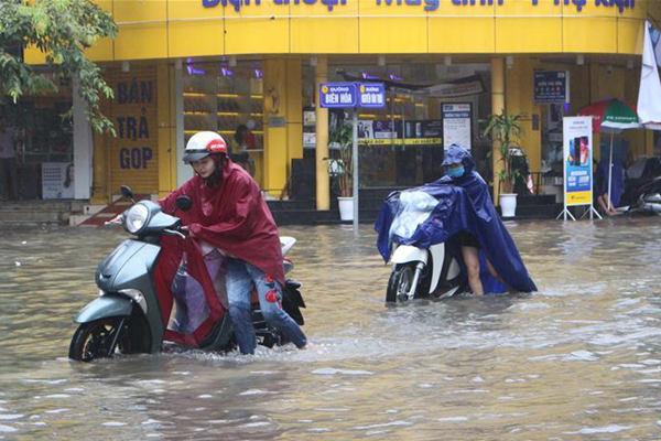 """台风""""韦帕""""登陆越南致5人伤亡15人失踪"""