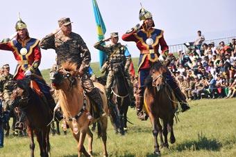 陆军国际运动会在蒙古举行 各国战马草原竞技
