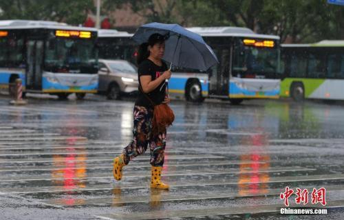 北京局地强降雨触发暴雨黄色预警 大中型水库蓄水超33亿方