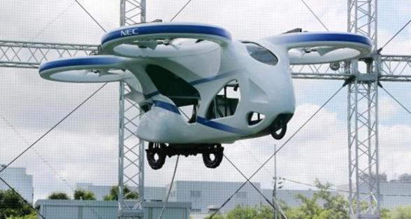 """日""""飞车""""上天:形似无人机 3米高空盘旋一分钟"""