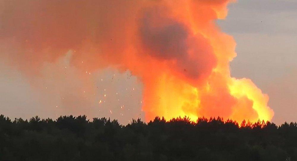 俄存有4万枚炮弹军火库爆炸 附近6000居民紧急撤离