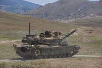 美军最强坦克在格鲁吉亚演习 距俄边境仅90公里