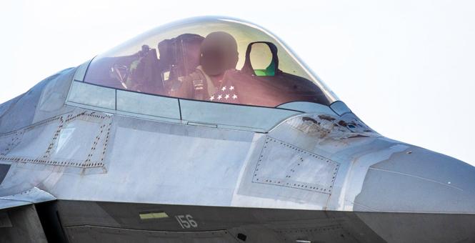 世界顶尖隐形战机用顶级机密隐形涂料被严重腐蚀