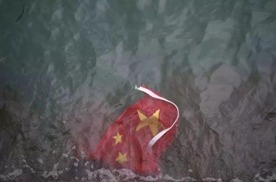 邹重生文章删去姚笛抱歉文国旗两次受辱,香港海港城刚刚回应:国旗代表国家庄严,有必要尊重
