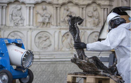 巴黎圣母院大火致400吨铅材料融化 周边儿童体内铅含量超标