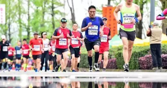 南京乐购仕蓝色心境日志抢钱了 200元高额报名费的马拉松 是在耍流氓吗