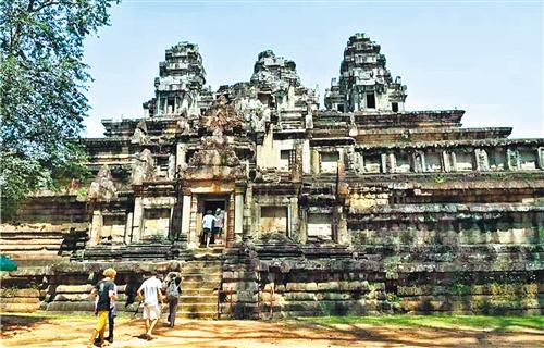 中国大力支持柬埔寨发展旅游业
