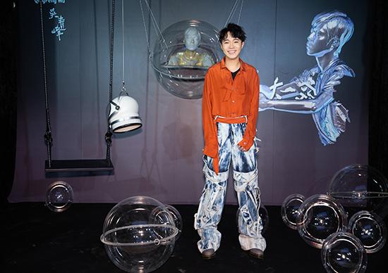 吴青峰全新单曲《太空》来袭 新专辑即将发行