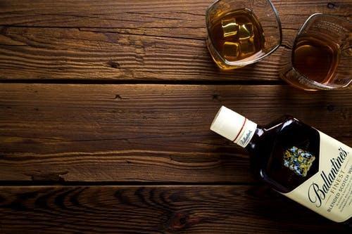 研究:微型品尝器可以区分威士忌之间的细微差别
