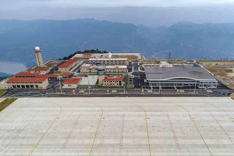 """三峡""""云端机场""""建设项目通过行业验收 有望8月中旬通航"""