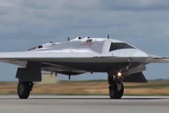 俄公布隐身无人机首飞视频 飞翼布局不要太科幻