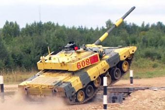坦克两项中国第三车组惜夺第二 将挺进半决赛