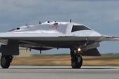 飞翼式隐身无人机首飞