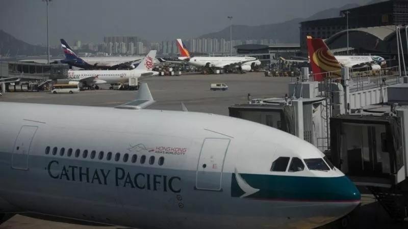 争议漩涡中的国泰航空发来声明:珍视在香港和中国