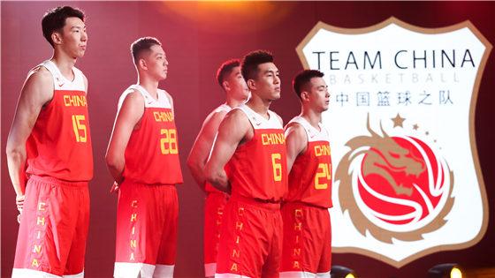 中国男篮携新战袍亮相