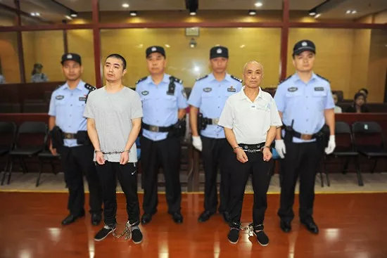 南京江宁溺死女童案宣判:女童父亲、爷爷双双获刑