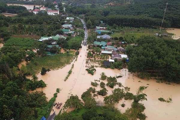 越南西原地区洪水和山体滑坡致8人死亡