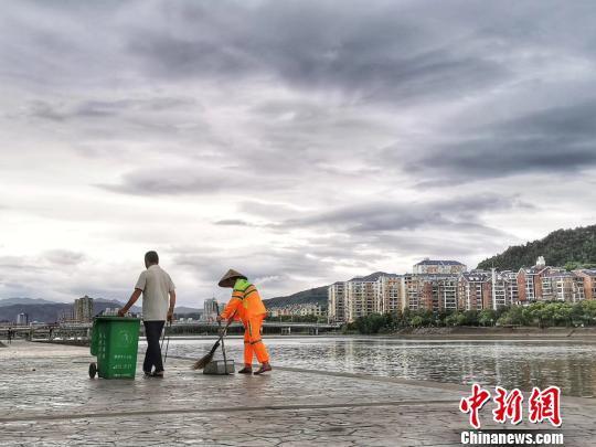 """""""利奇马""""登陆 福建宁德解除海浪和风暴潮警报"""