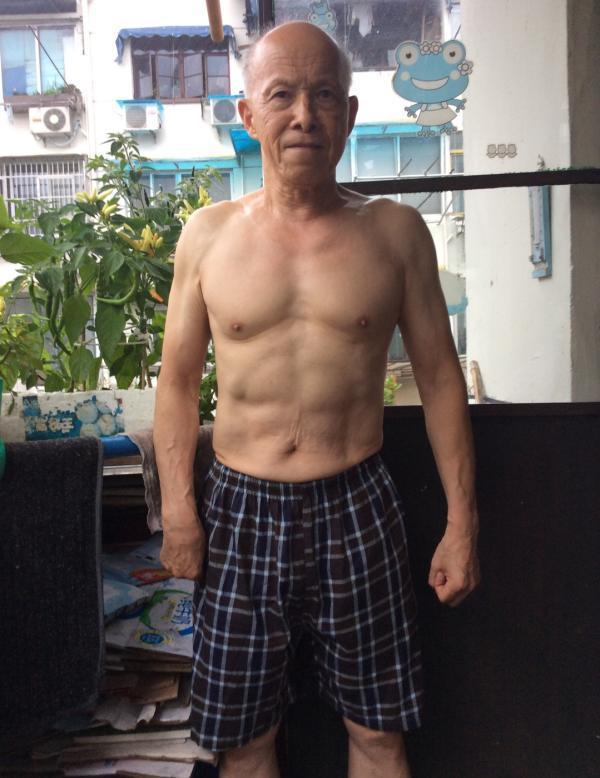 77岁大爷勇闯健美赛,不知天高地厚的背后是22年的自律