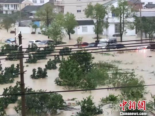 """直击""""利奇马""""登陆后续:浙江多地积水断电农田被淹"""