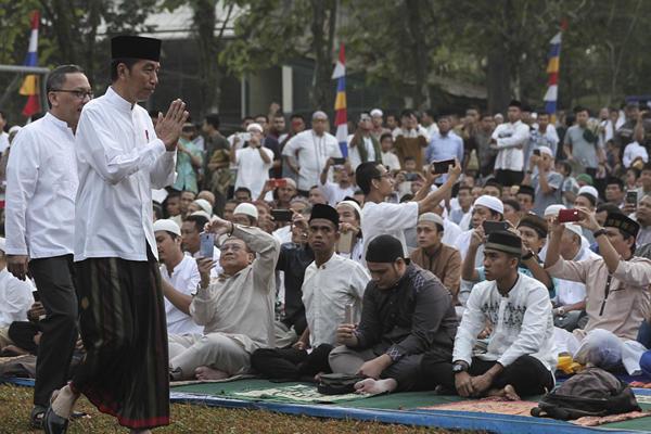印尼多地举行宰牲节祷告仪式 场面壮观