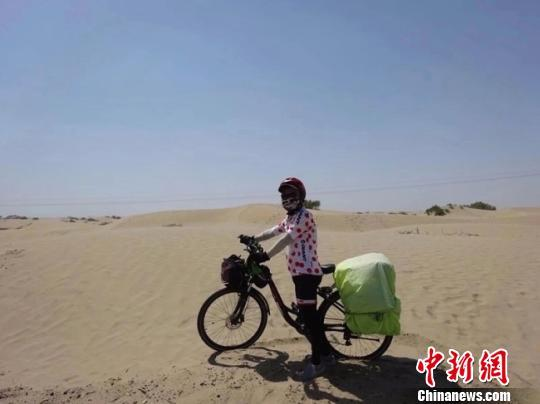 甘肃陇南六旬骑行者游10余国 数十万字游记励众人逐梦