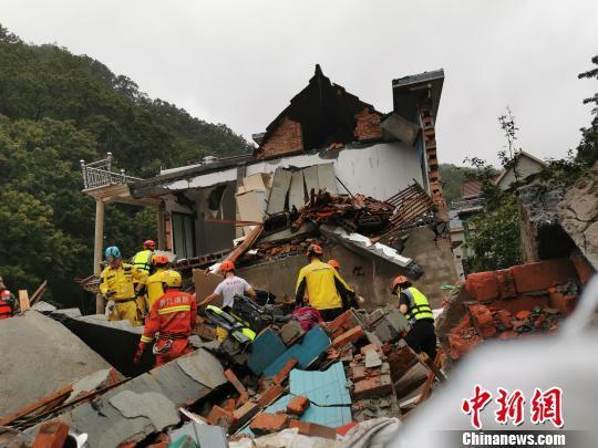 浙江临安救援进行时:救援直升机紧急驰援灾区