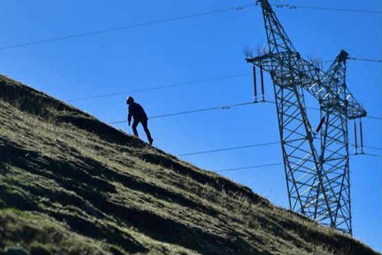 行走在云端的电网建设者