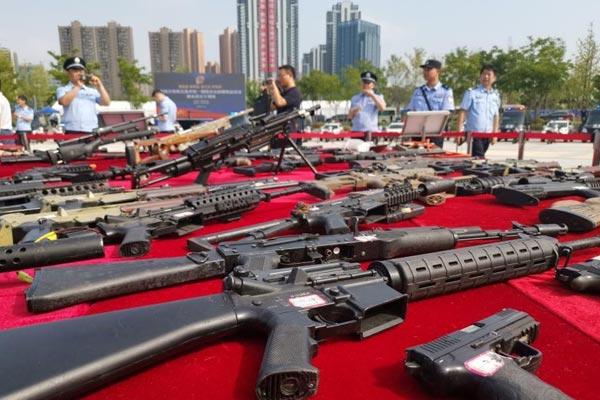 154个城市同步销毁非法枪爆物品 包括10.7万支枪支