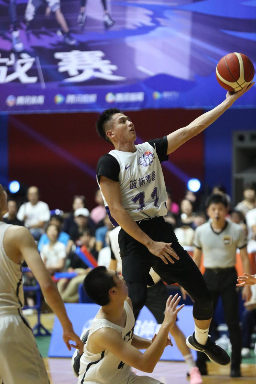 《篮板青春》这群少年用篮球诠释青春的模样