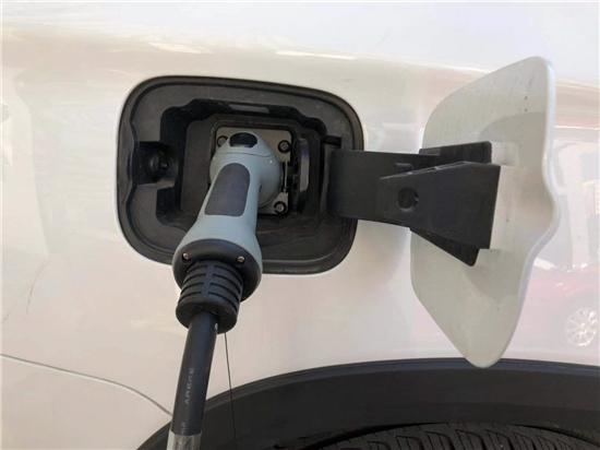 至暗開端 7月新能源車上險數暴跌81.4%
