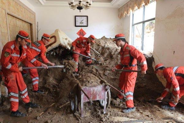 武警浙江总队机动支队赴临安救援 清出淤泥垃圾300余吨