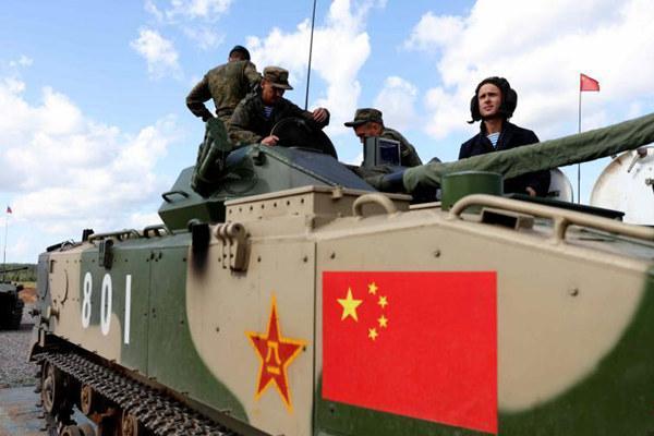 """""""空降排""""战车接力赛收官 中国队获第三名"""