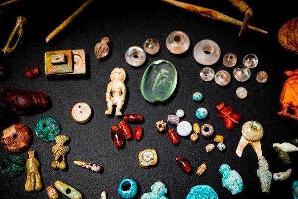 意大利庞贝古城出土大量仪式用品