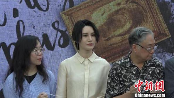 维克多·雨果展在沪开展 尚雯婕参与录制作品导览