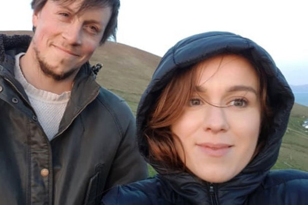 爱尔兰一对夫妇放弃城市喧嚣 体验荒岛生活