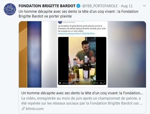 """法国冠军运动员饭桌上咬下活鸡头,被批""""虐待动物""""面临起诉"""