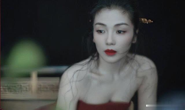 刘涛英姿飒爽又端庄大气,感觉还能看她演好多戏,你觉得好看吗?