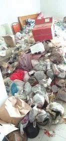 长沙一年轻女房客退租留下满屋垃圾,16名保洁员清走24小车