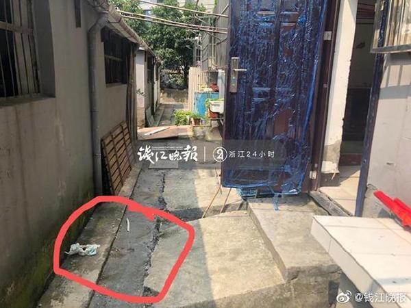 杭州1岁多男童7楼坠亡 邻居:小孩子的床就在窗户边