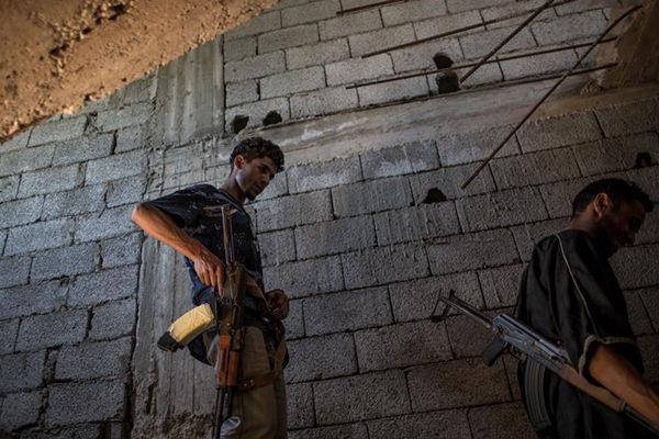 利比亚战事持续 超过12万人流离失所