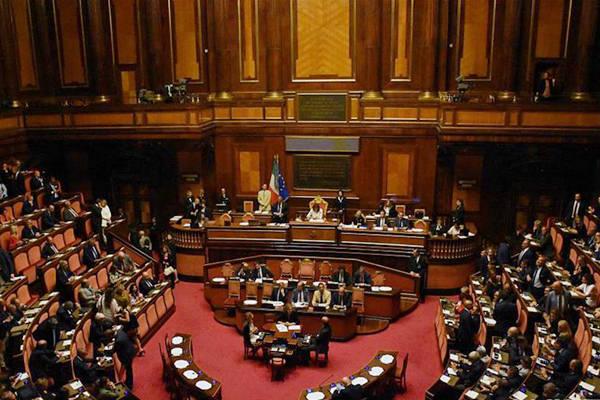 意大利参议院将于本月20日审议对总理孔特的不信任动议