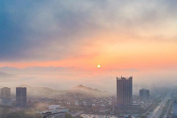 无人机航拍鸟瞰湖北崇阳平流雾景观