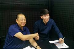 周琦与新疆男篮完成签约 将重返CBA赛场