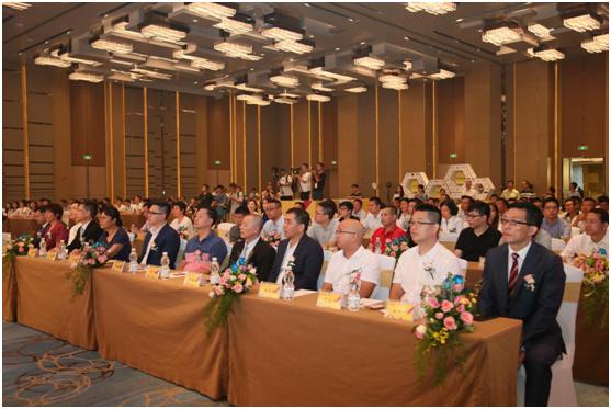 第38届国际龙家具展览会在顺德龙江开幕