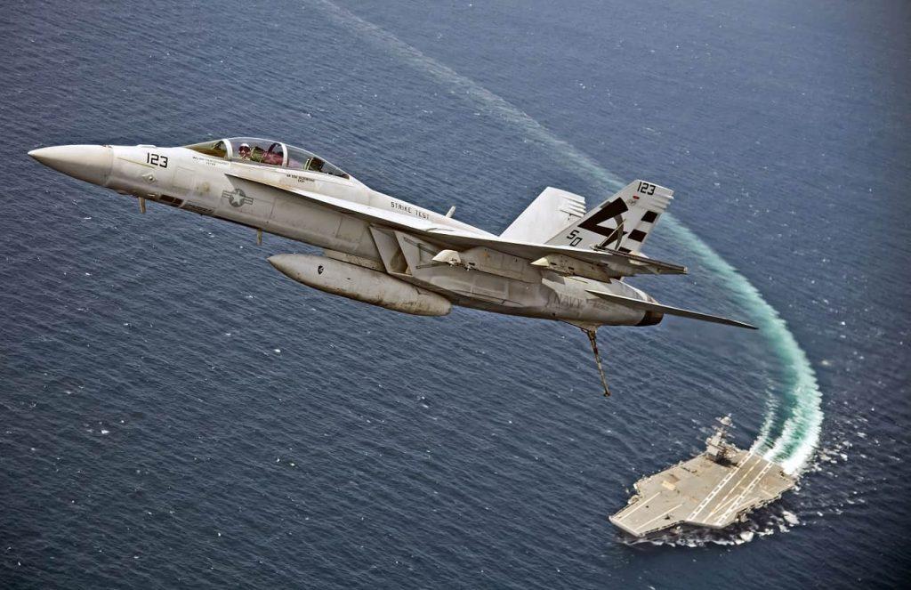 美福特級著艦系統通過測試 可用飛機名單中無F35