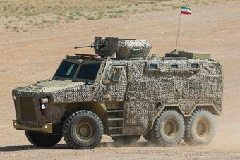 伊朗展示新型装甲车 防弹抗地雷能力强悍